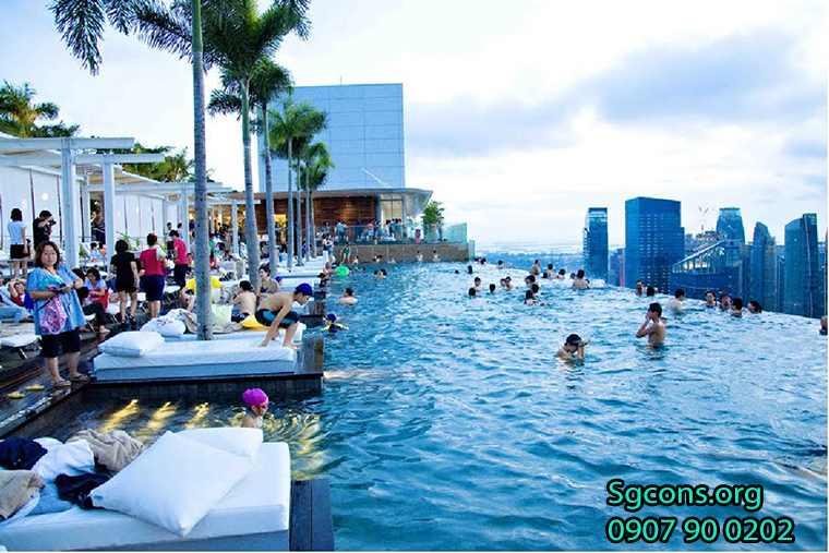 Ho Boi Vo Cuc San Thuong Toa Nha Landmark81